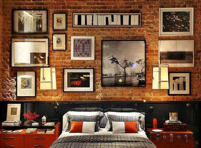 Декорирование стены в спальне стиля лофт