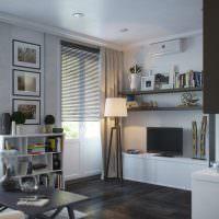 Открытые полки в гостиной городской квартиры