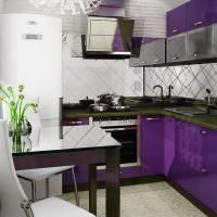 Фиолетовый гарнитур Г-образной планировки
