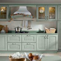 Классический гарнитур с подсветкой в шкафах