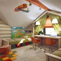 Дизайн комнаты для двоих детей на чердаке частного дома