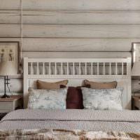 Деревянное изголовье кровати для супругов