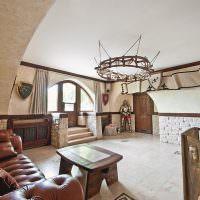 Оформление гостиной в духе рыцарской эпохи