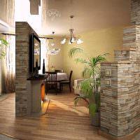 Глянцевый потолок в просторной кухне