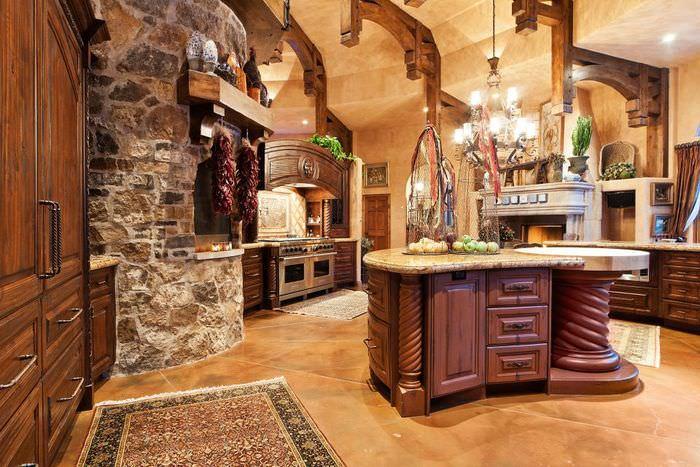 Матовая поверхность керамического пола в итальянской кухне