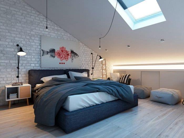 Оформление спальни в мансарде в белом цвете