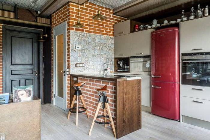 Интерьер модной кухни в стиле лофт