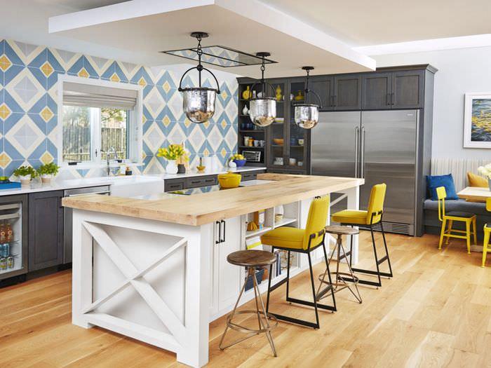 Многофункциональный кухонный остров с барной стойкой