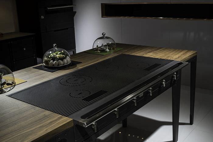Кухонный остров с индукционной варочной панелью