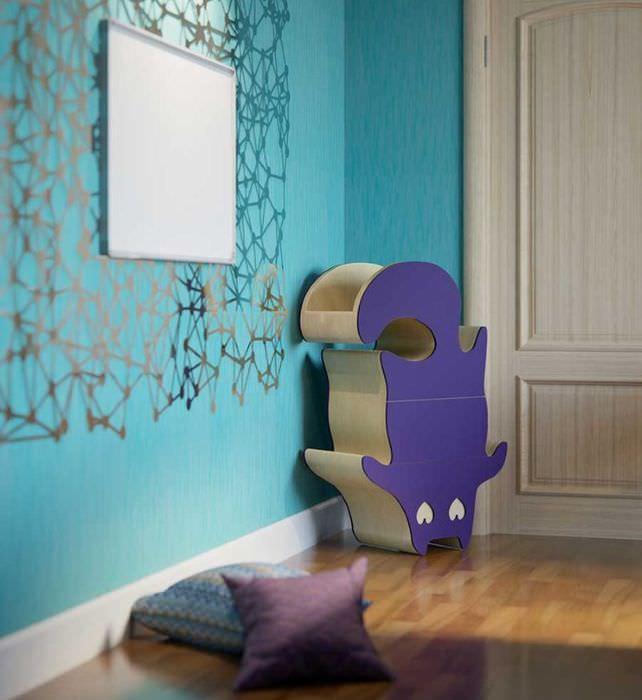 Лиловая тумба в форме кота в детской комнате
