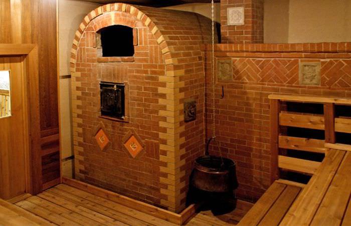 Кирпичная печь в бане для большой семьи