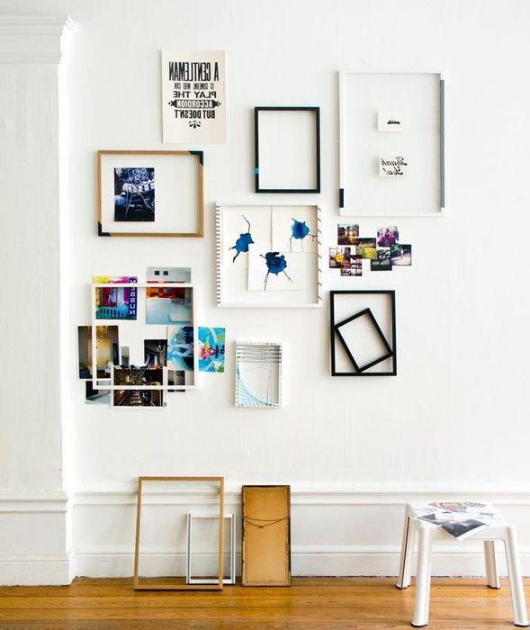 Украшение стены рамками и фотографиями своими руками