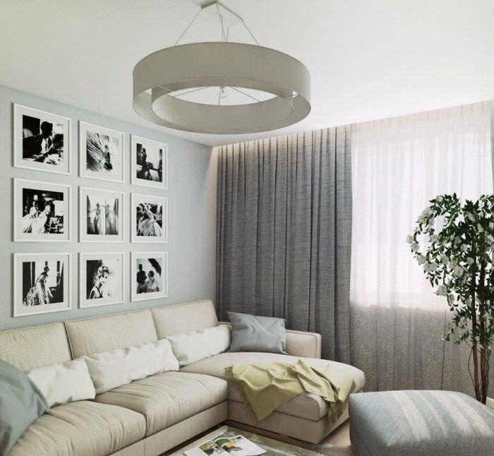 Серые занавески на окне гостиной хрущевки в стиле хай тек