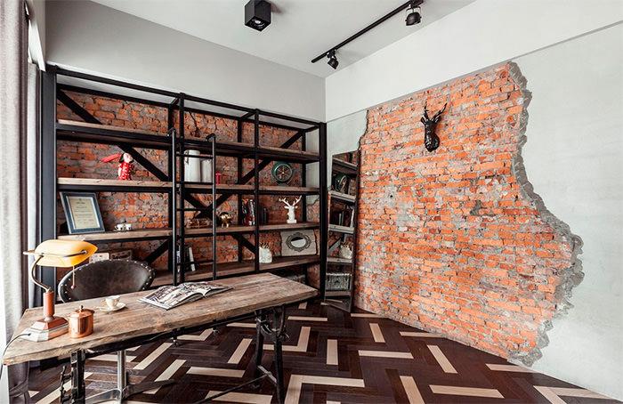 Имитация старой кирпичной стены в городской квартире