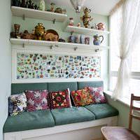 Мягкий диванчик с местом для хранения вещей