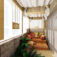 Подиум на балконе в египетском стиле