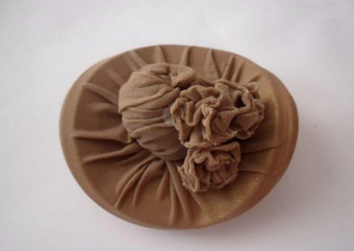 Декоративная шляпка из капроновых чулков
