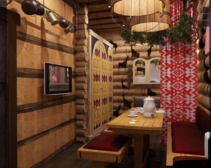 Красно-белая занавеска в комнате для отдыха в русской бане