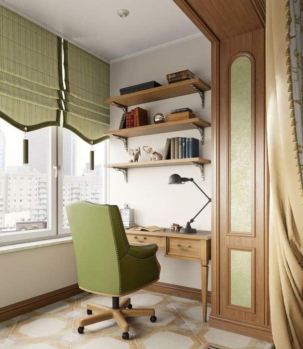 Интерьер жилого балкона в стиле классики