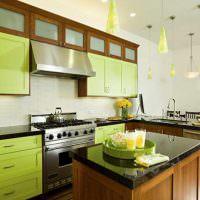 Зеленые дверцы кухонного гарнитура