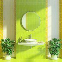 Ванная комната с желто-зеленым кафелем