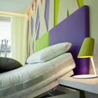 Фиолетовый цвет в сочетании с зеленым в интерьере спальни