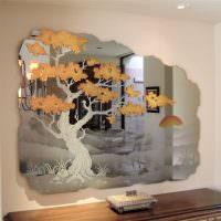 Зеркало-картина с изображением дерева