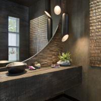 Зеркало в интерьере ванной в стиле лофт