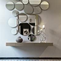 Группа зеркал круглой формы