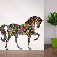 Нарисованная лошадь на стене комнаты