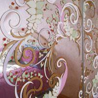 Художественная роспись на зеркальной поверхности