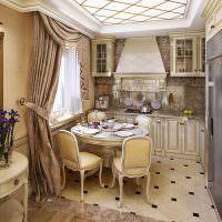 Небольшая кухня в стиле классики