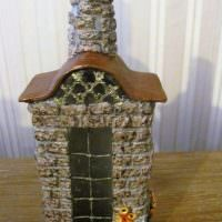 Декор бутылки в виде домика с окошком