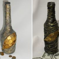 Декорирование бутылки под кошелек с монетами