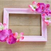 Красивый декор с розовыми цветами