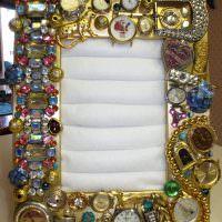 Декорирование рамки наручными часами