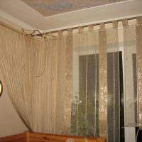 Маскировка труб с помощью штор