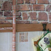 Роспись трубы на кухне частного дома