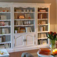 Белый книжный шкаф в стиле прованс