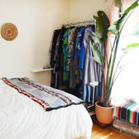 Открытая вешалка для домашней одежды