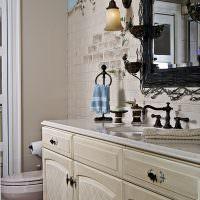 Имитация кирпичной кладки в интерьере ванной