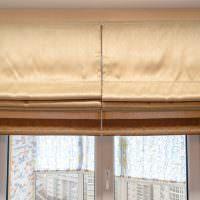 Римские шторы коричневой расцветки крупным планом