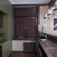 Бамбуковые шторы на кухонном окне