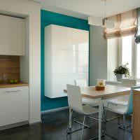 Белый подвесной шкаф на кухне в стиле минимализма