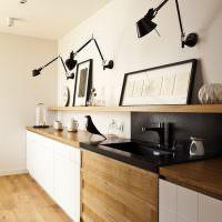 Оригинальное освещение линейной кухни