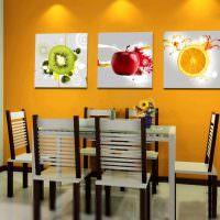 Три картины с изображением фруктов