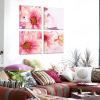 Четыре картины с яркими цветами