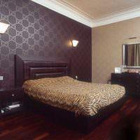 Флизелиновые обои в дизайне спальной комнаты