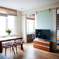 Легкая перегородка между спальней и гостиной