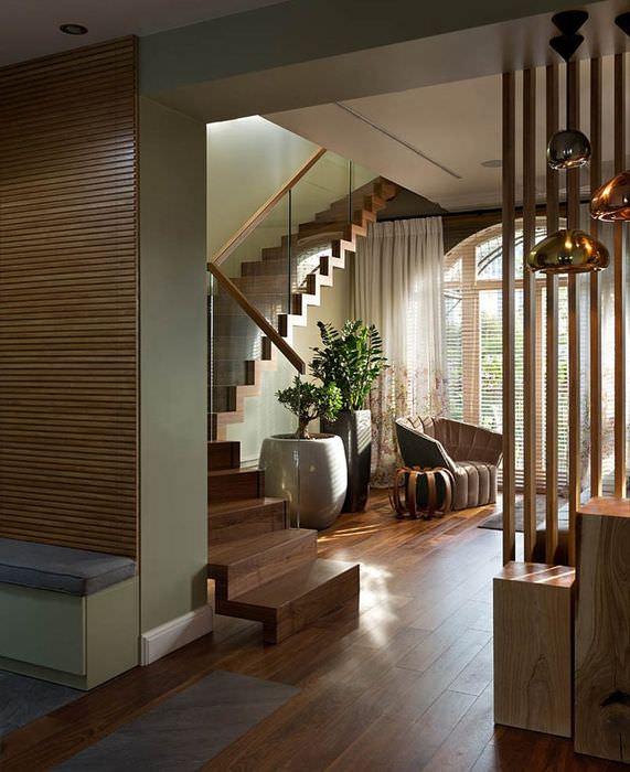 Дизайн холла-гостиной в двухуровневой квартире